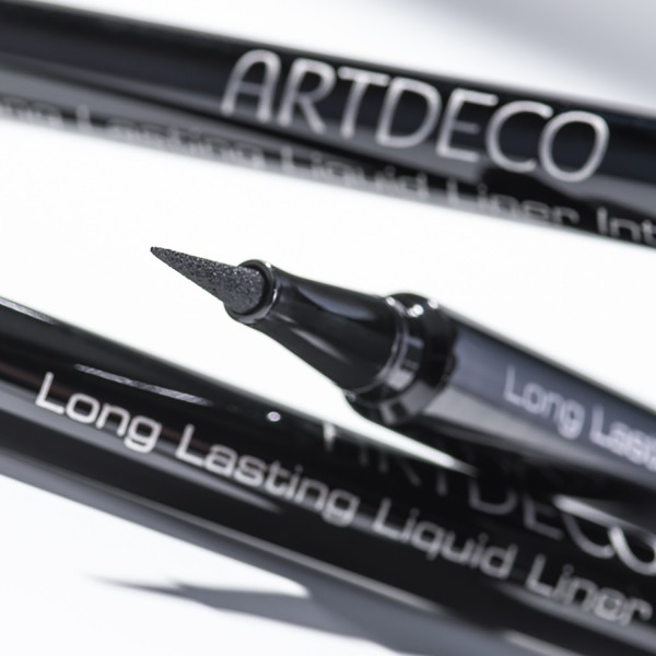 Long Lasting Liquid Liner Intense